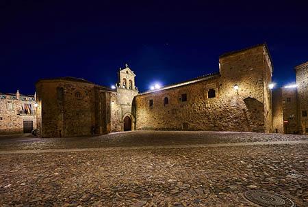 Convento de San Pablo de noche